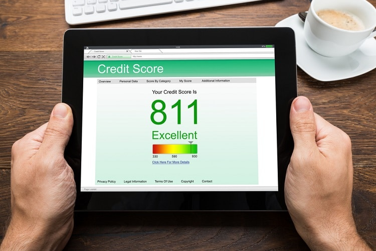 tablet reading an excellent credit score